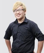 スタッフ写真‐鍛治 麟太郎
